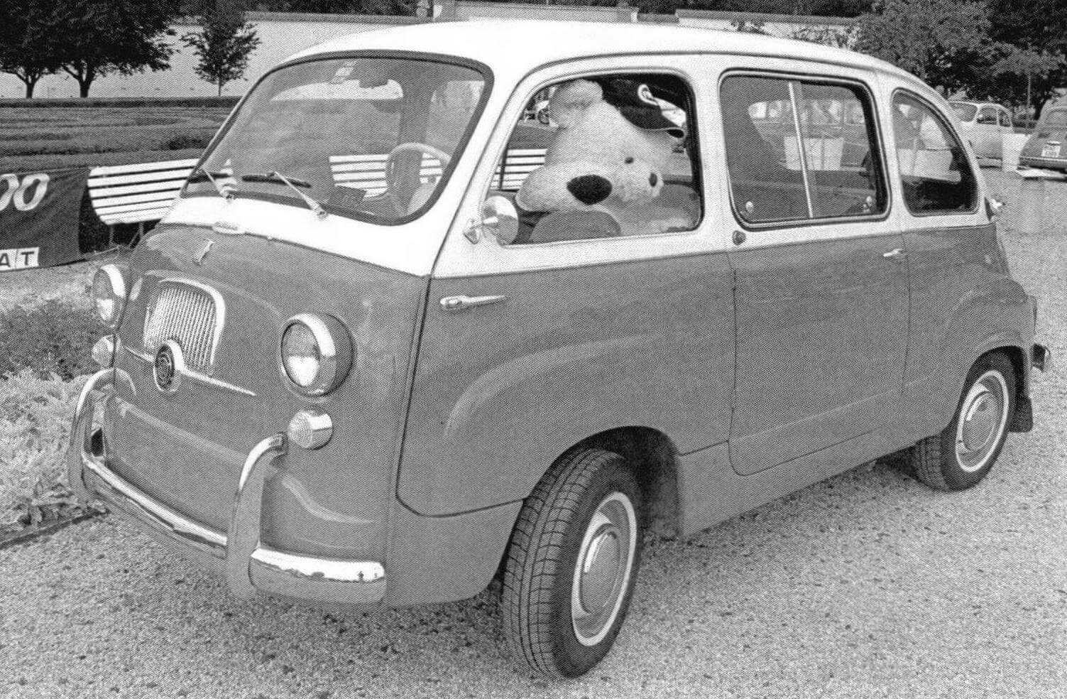 Fiat 600 Multipla в «люксовом» исполнении отличались двухцветной окраской