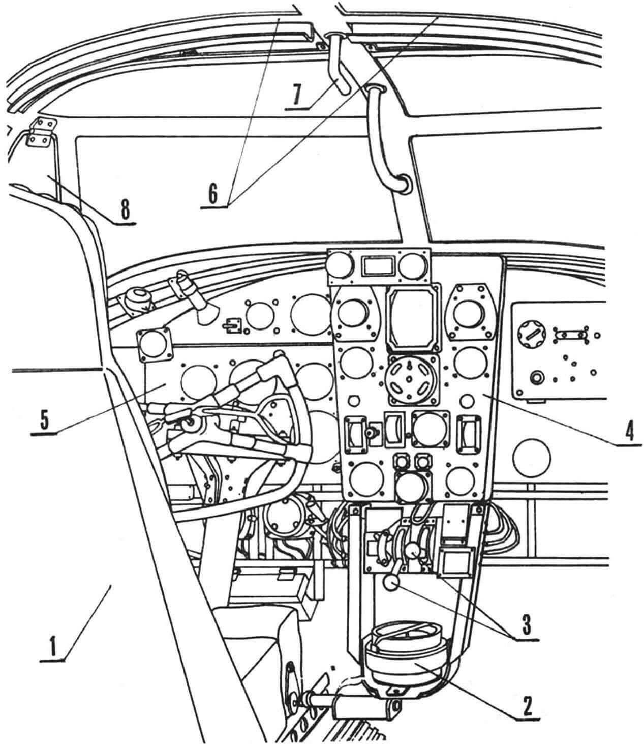 Внутренний вид пилотской кабины