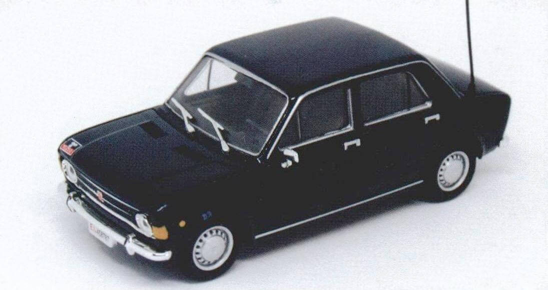 Модель Fiat 128 Berlina образца 1970 года из журнальной серии, посвященной автомобилям карабинеров