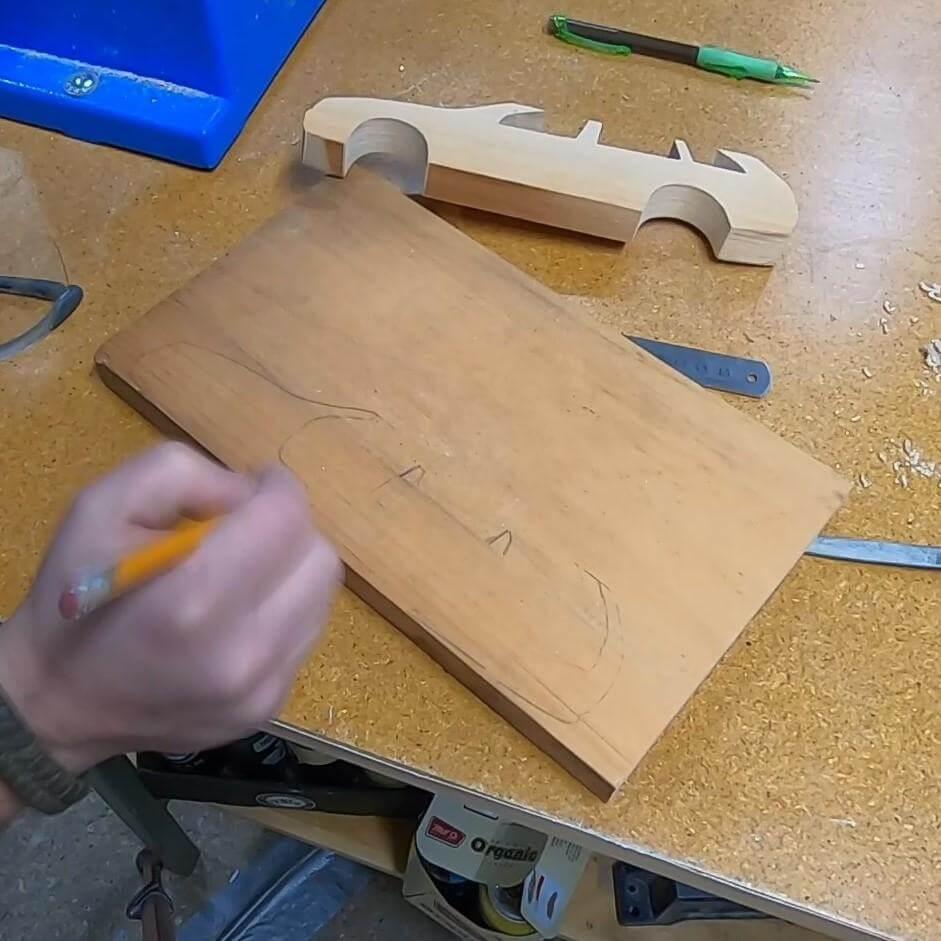 Шаг 6: Рисование предметов интерьера