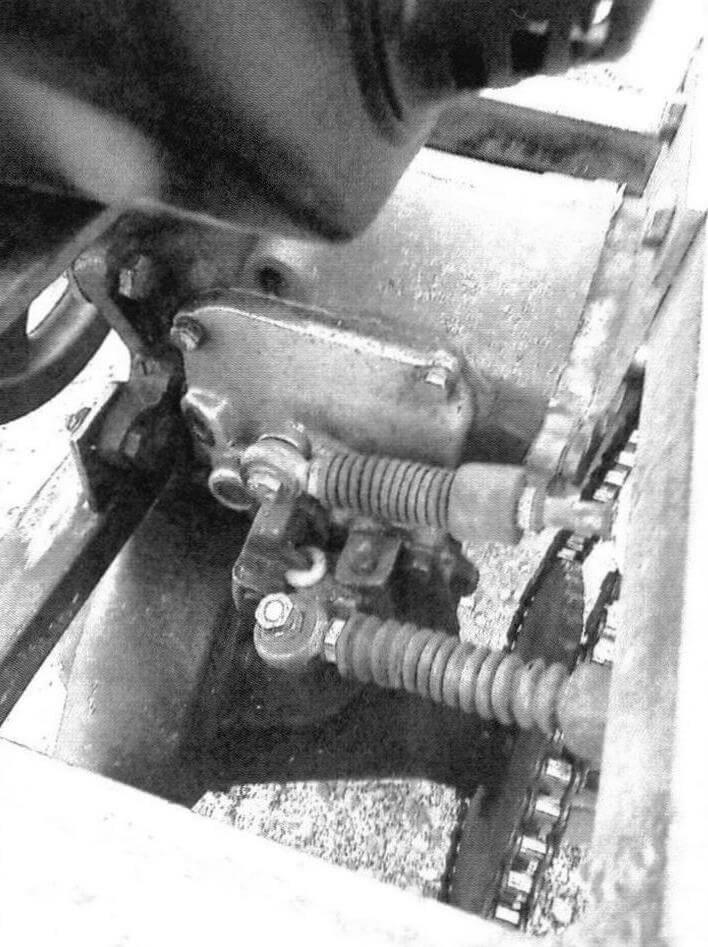Чтобы коробка передач вписалась в габариты рамы, вторичный вал пришлось укоротить