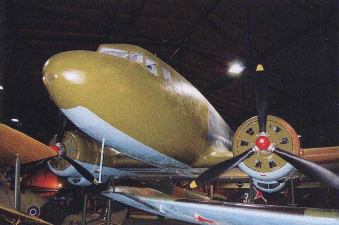 Ветеран Ли-2В - герой многих кинофильмов о войне