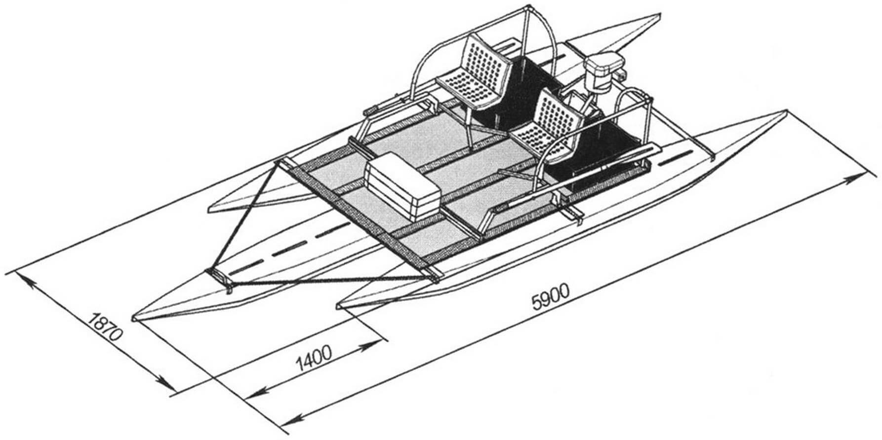 Общий вид тримарана. В носовой части установлена дополнительная секция мостика