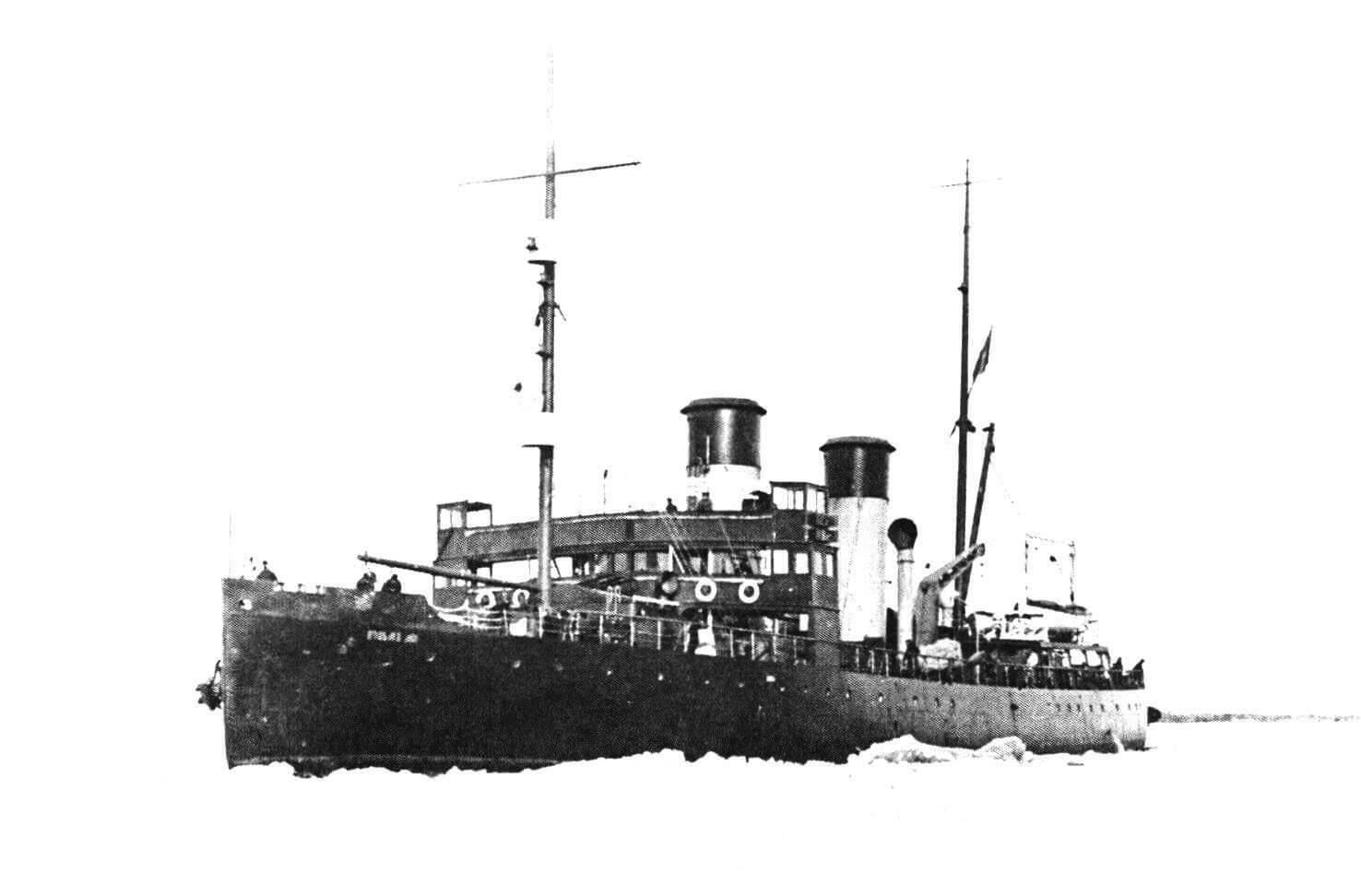 Морской ледокол «Козьма Минин» в устье Северной Двины, 1917 год
