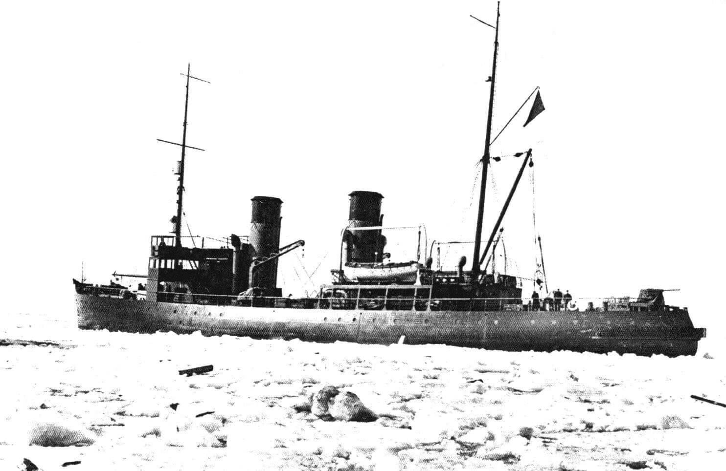 «Козьма Минин» во льдах