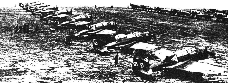 Самолеты Р-23В из 12-й эскадры 1-го авиаполка польских ВВС