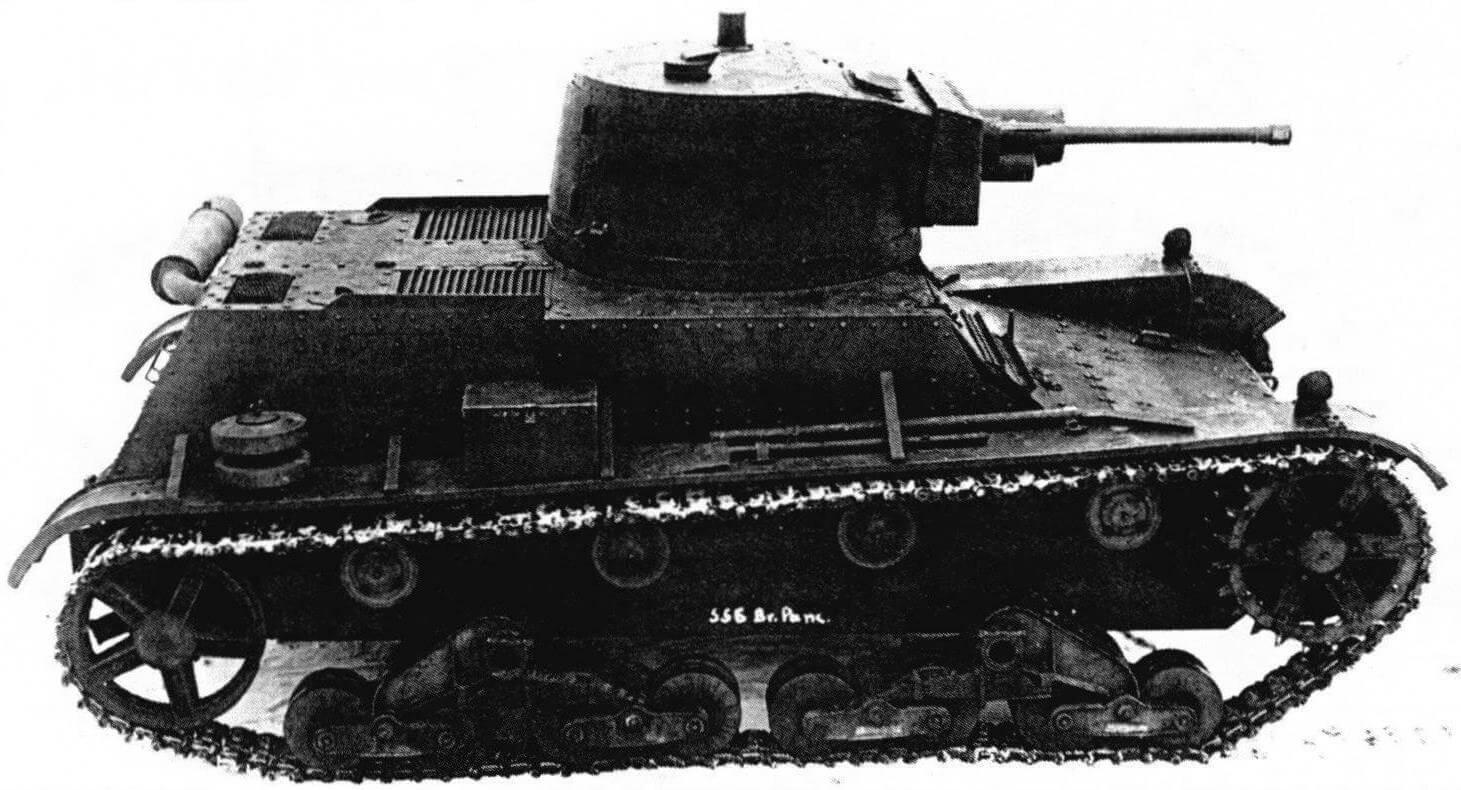 Первый прототип танка 7ТР с макетной башней фирмы Bofors