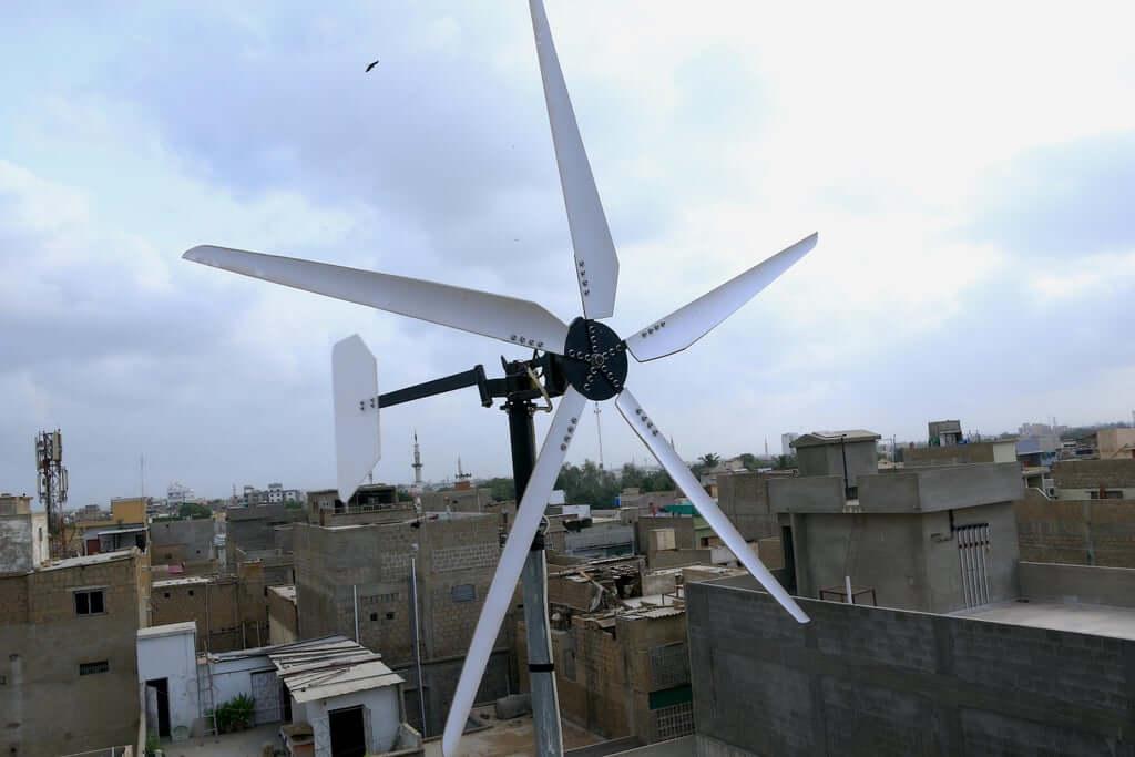 Ветряк с автомобильным генератором