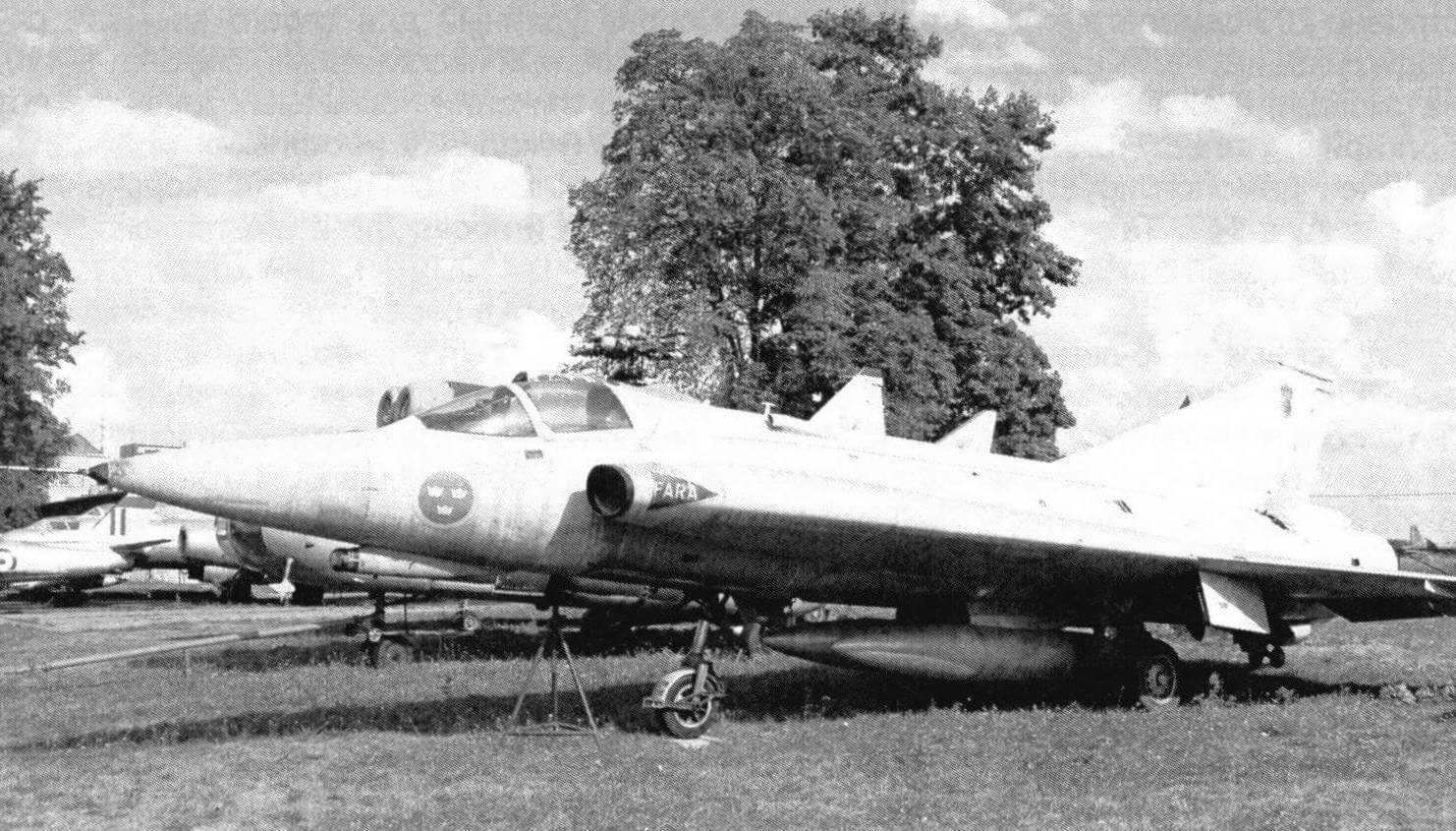 Шведский истребитель Saab J35 Draken