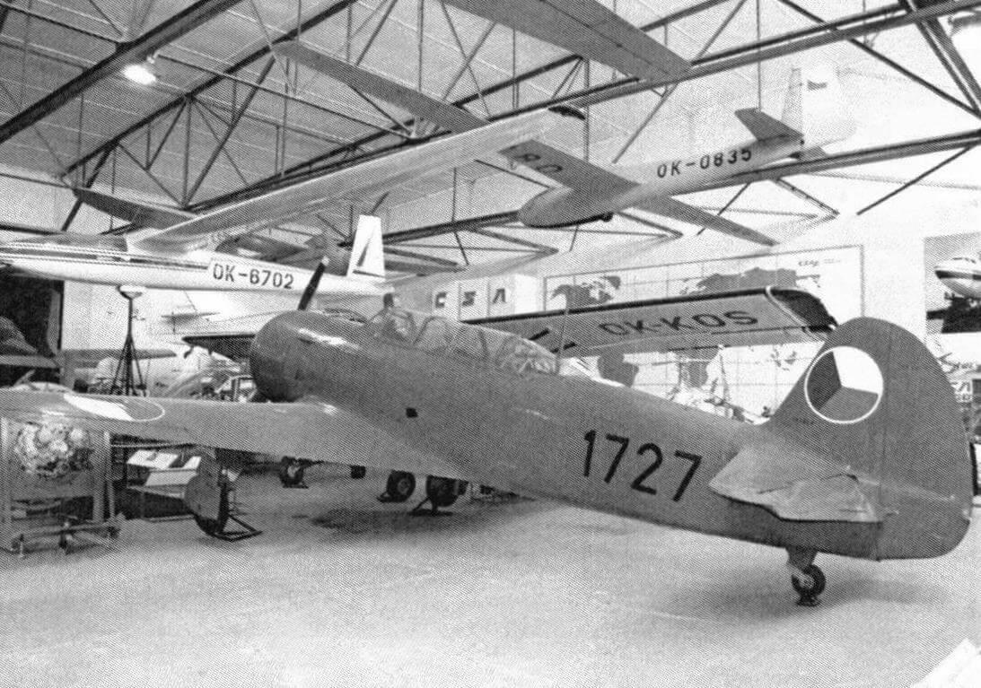С-11 - лицензионная версия советского самолета Як-11